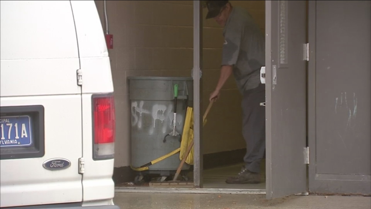 Kelly Elementary School remains closed Friday due to mold