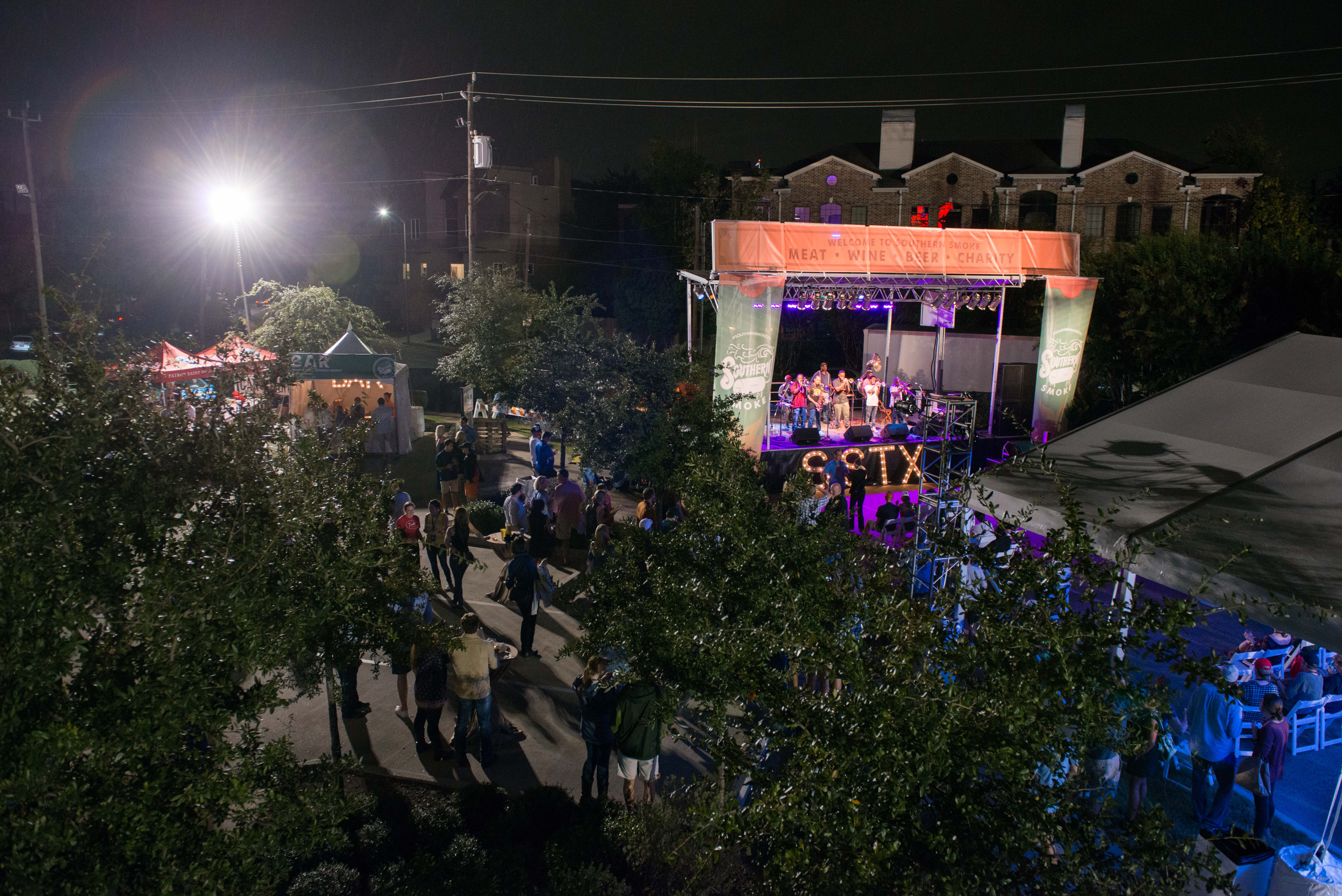 """<div class=""""meta image-caption""""><div class=""""origin-logo origin-image ktrk""""><span>KTRK</span></div><span class=""""caption-text"""">The view of the crowd and the stage from the Underbelly roof (Catchlight Photography)</span></div>"""