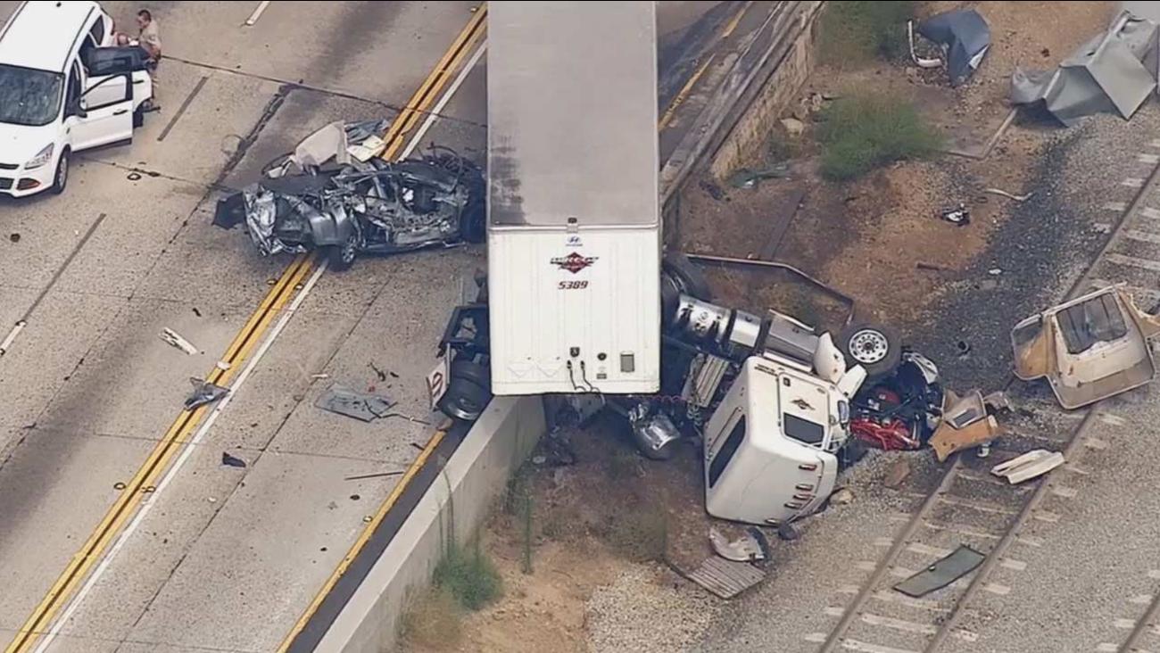 Big-rig crash closes lanes on westbound 210 Freeway in