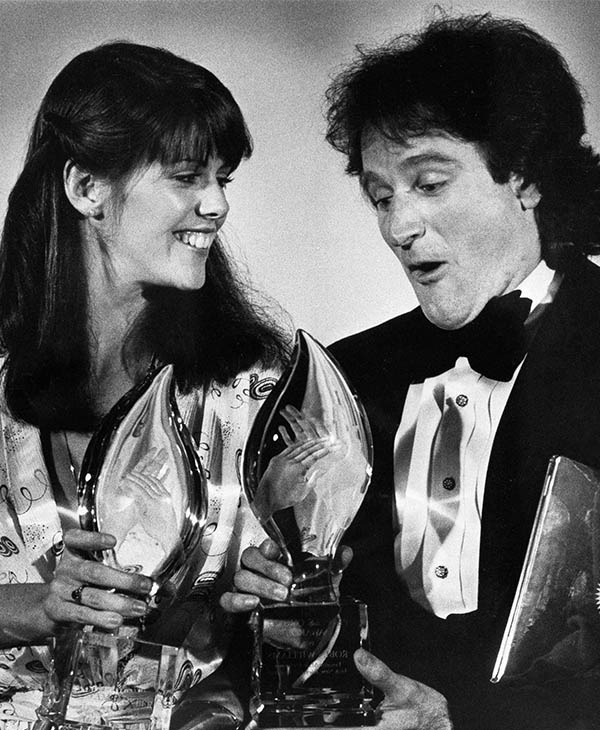 "<div class=""meta image-caption""><div class=""origin-logo origin-image ""><span></span></div><span class=""caption-text"">Williams after winning a People's Choice Award for his role in ""Mork and Mindy"" in March 1979. (Photo/AP)</span></div>"