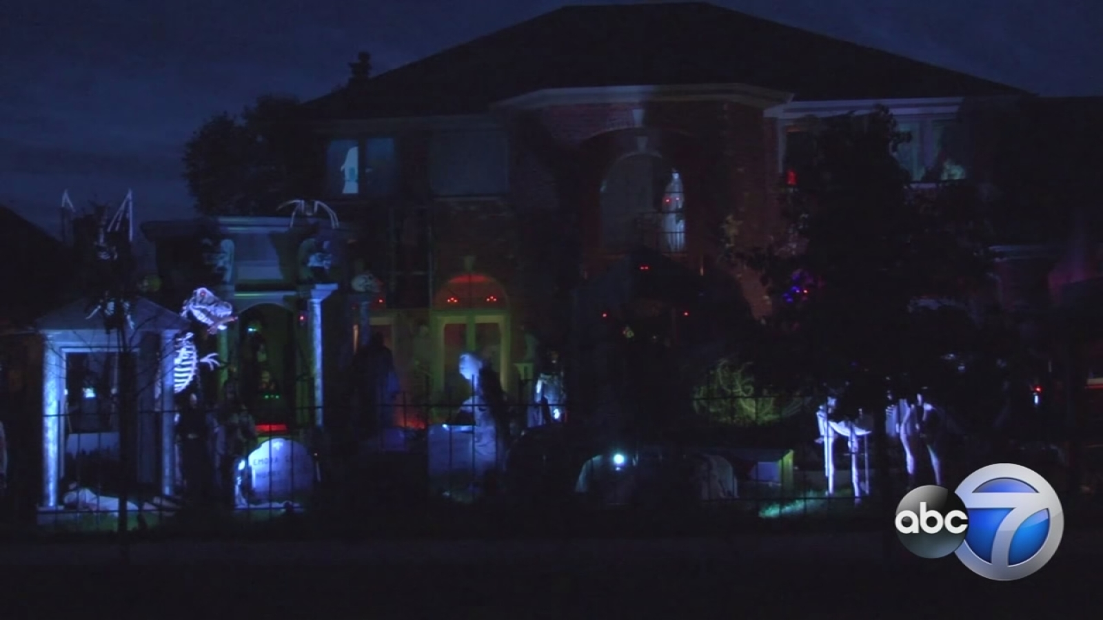 Haunted house wows Orland Park