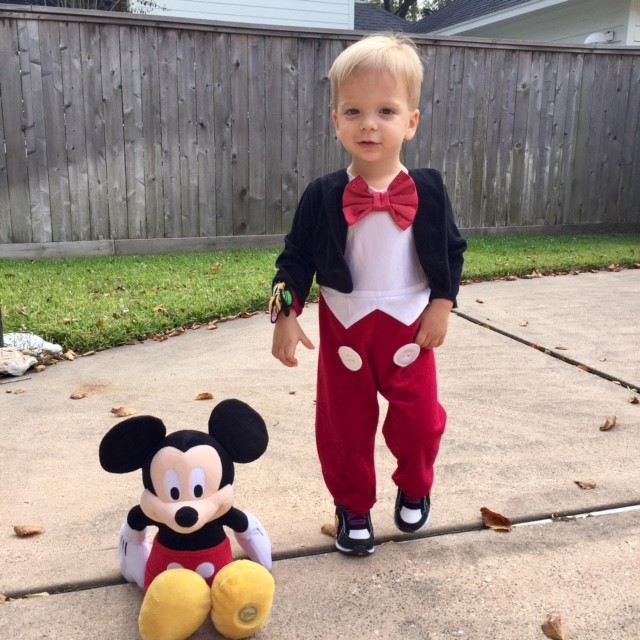 "<div class=""meta image-caption""><div class=""origin-logo origin-image none""><span>none</span></div><span class=""caption-text"">Gray, son of Rebecca Spera, poses with Mickey.</span></div>"