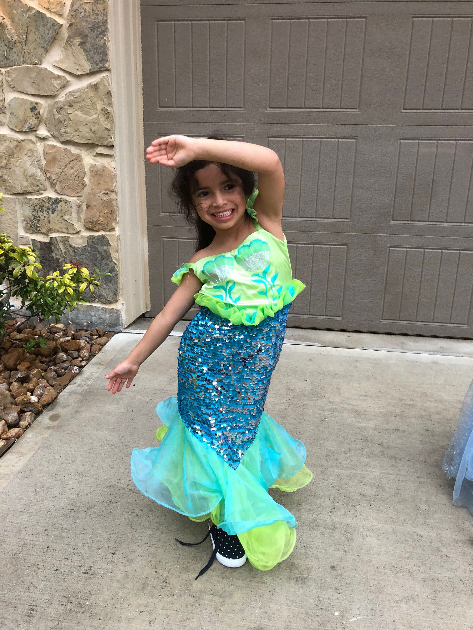 "<div class=""meta image-caption""><div class=""origin-logo origin-image none""><span>none</span></div><span class=""caption-text"">UNDER THE SEA: One of Patricia Lopez's daughters shows off her best mermaid pose.</span></div>"