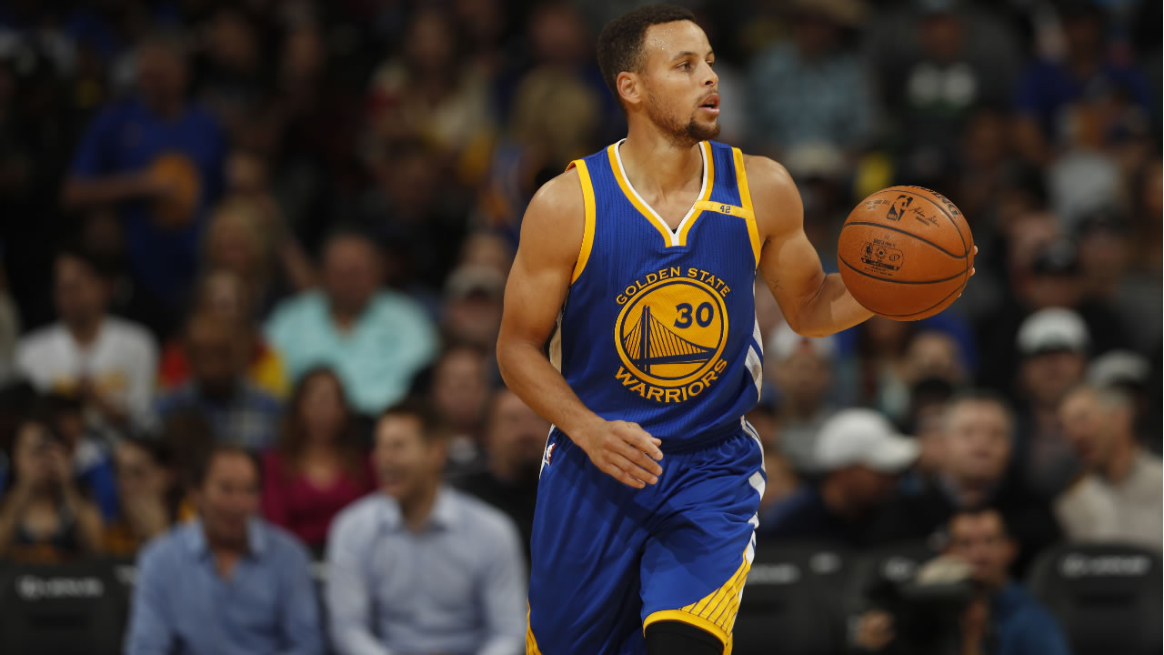Golden State Warriors guard Stephen Curry (30) in the first half of an NBA basketball game Thursday, Nov. 10, 2016, in Denver. (AP Photo/David Zalubowski)