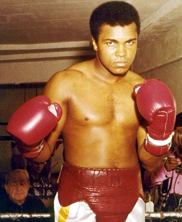 "<div class=""meta image-caption""><div class=""origin-logo origin-image ""><span></span></div><span class=""caption-text"">The boxing legend Muhammad Ali suffers from Parkinson's disease. (David Bookstaver / AP)</span></div>"