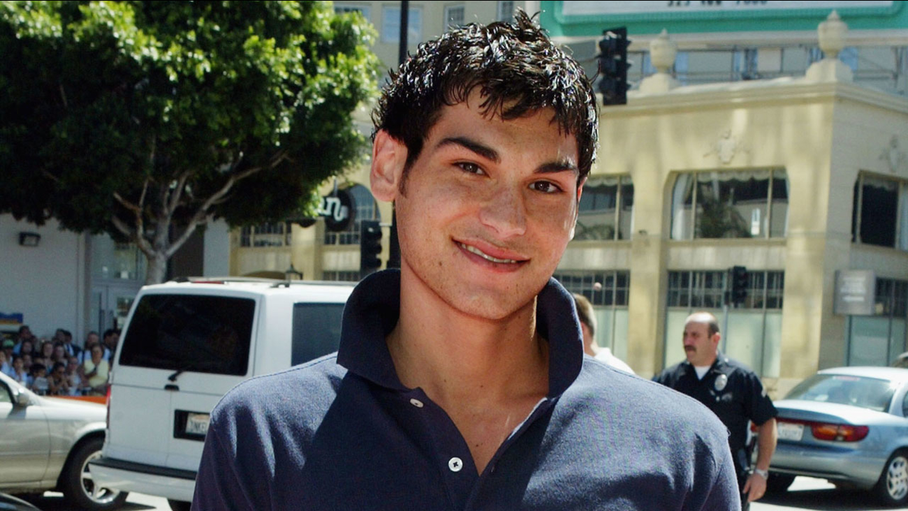 Actor Brad Bufanda arrives at the premiere of Warner Bros. 'A Cinderella Story' on July 10, 2004 at the Chinese Theatre, in Los Angeles, California.