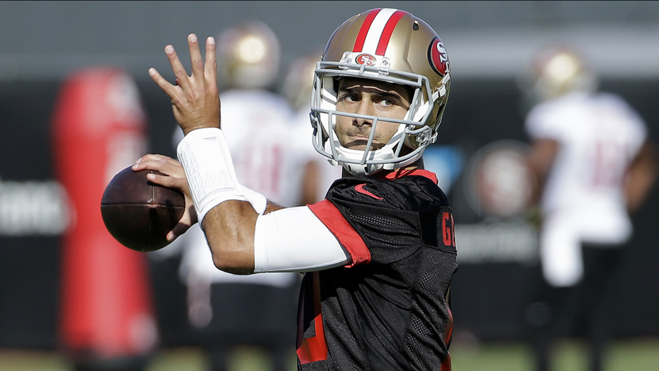 San Francisco 49ers quarterback Jimmy Garoppolo throws during a practice at the team's NFL training facility in Santa Clara, Calif., Wednesday, Nov. 1, 2017.