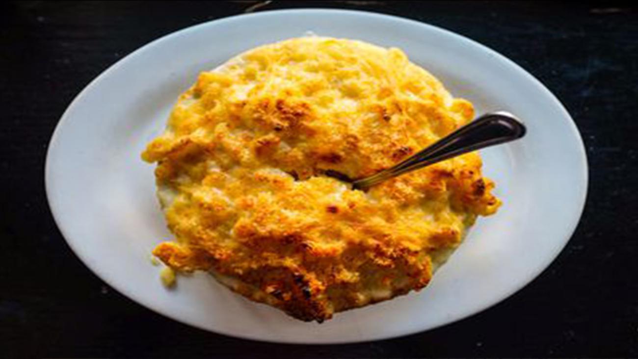 Macaroni au gratin at Poole's
