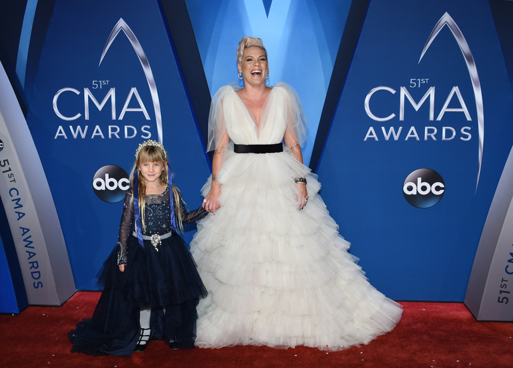 "<div class=""meta image-caption""><div class=""origin-logo origin-image none""><span>none</span></div><span class=""caption-text"">Pink and her daughter Willow Sage Hart arrive at the 51st annual CMA Awards on Wednesday, Nov. 8, 2017, in Nashville, Tenn. (Evan Agostini/Invision/AP)</span></div>"