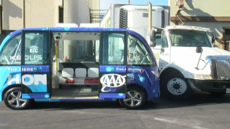 Las Vegas Shuttles >> Self Driving Shuttle Involved In Crash On First Day In Operation