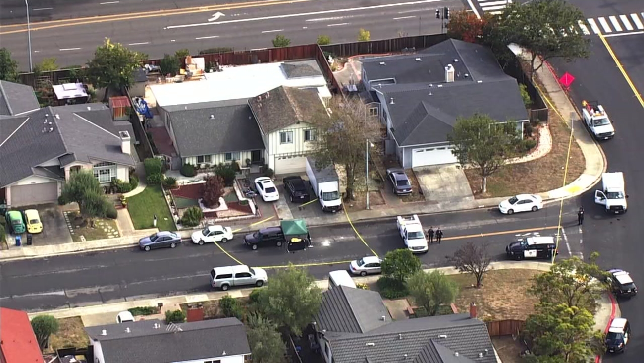 This image from SKY7 shows a homicide investigation in Union City, Calif. on Thursday, Nov. 9, 2017.