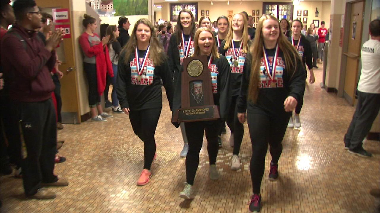 Chicago's Marist HS wins girls volleyball state championship