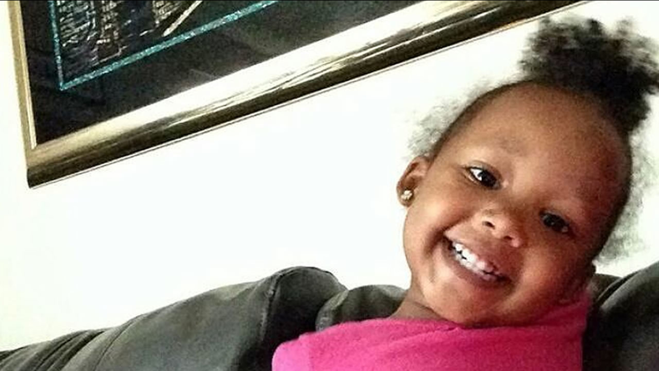 San Francisco police are searching for the driver who hit two-year-old Mi-Yana Gregory and fled the scene.