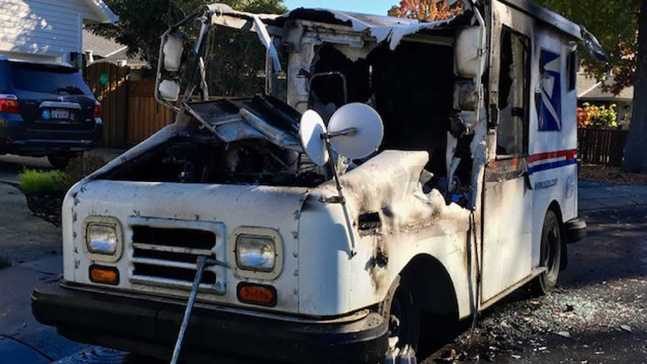 Usps Vehicle Catches Fire In Menlo Park Destroying Mail Abc7 San
