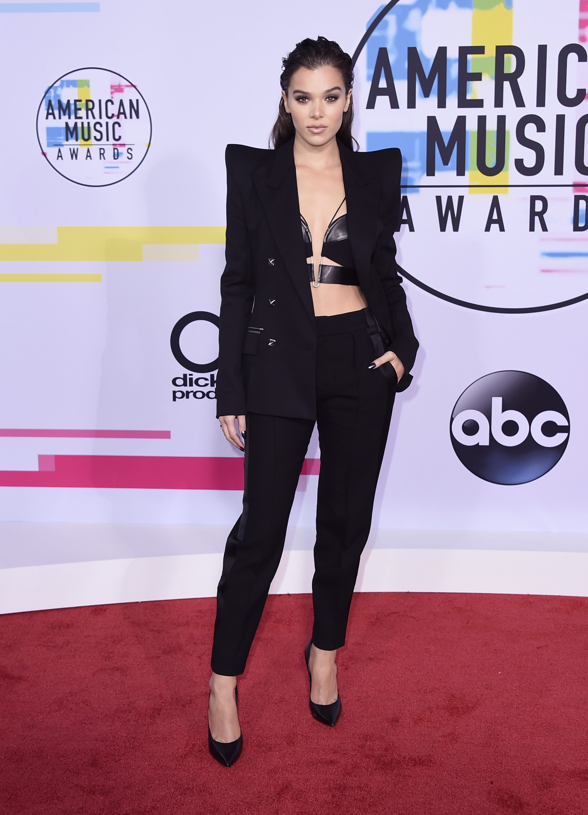 <div class='meta'><div class='origin-logo' data-origin='none'></div><span class='caption-text' data-credit='Jordan Strauss/Invision/AP'>Hailee Steinfeld arrives at the American Music Awards at the Microsoft Theater on Sunday, Nov. 19, 2017, in Los Angeles.</span></div>