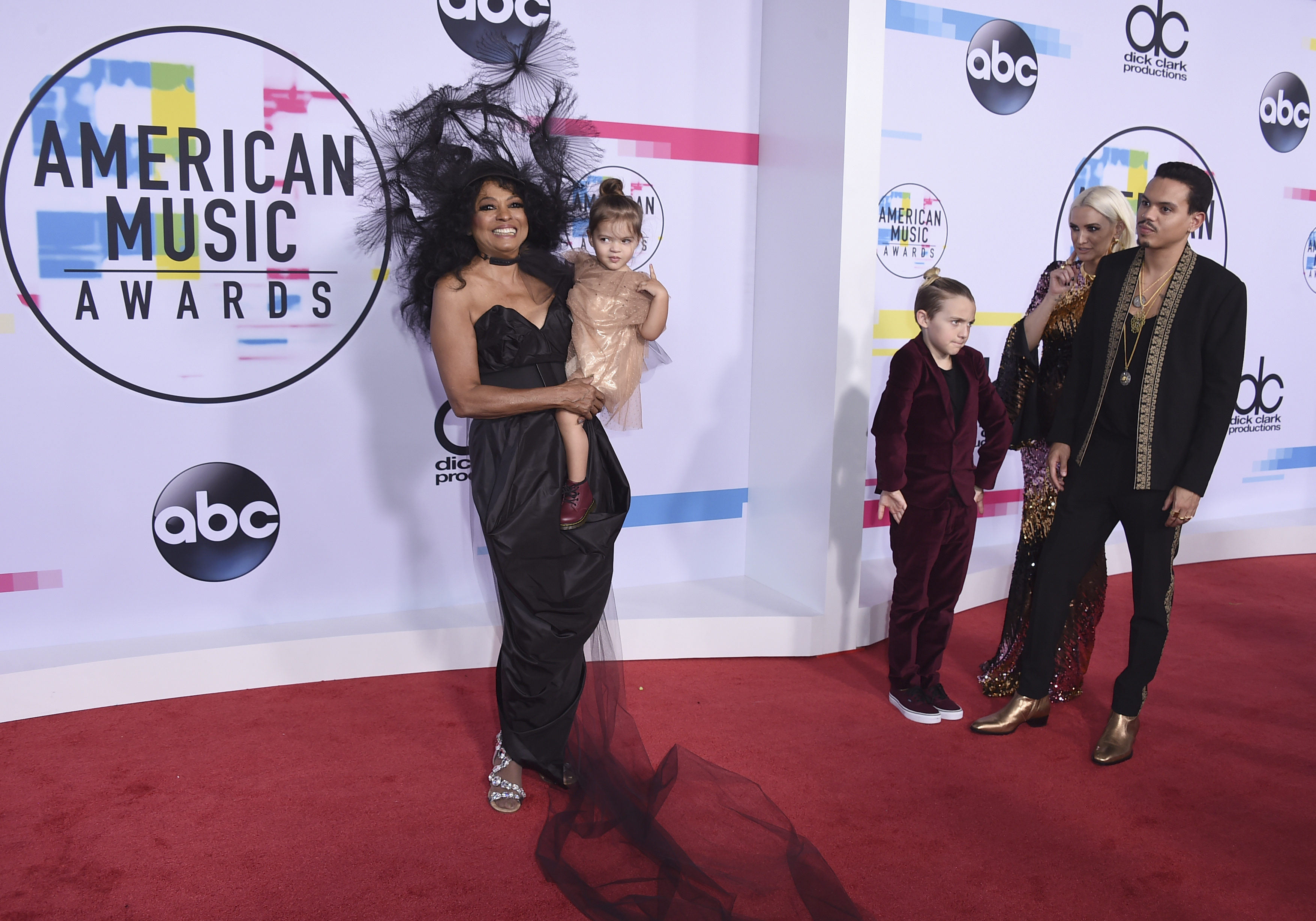 <div class='meta'><div class='origin-logo' data-origin='none'></div><span class='caption-text' data-credit='Jordan Strauss/Invision/AP'>Diana Ross, from left, Jagger Snow Ross, Bronx Mowgli Wentz, Ashlee Simpson, and Evan Ross arrive at the American Music Awards at the Microsoft Theater.</span></div>