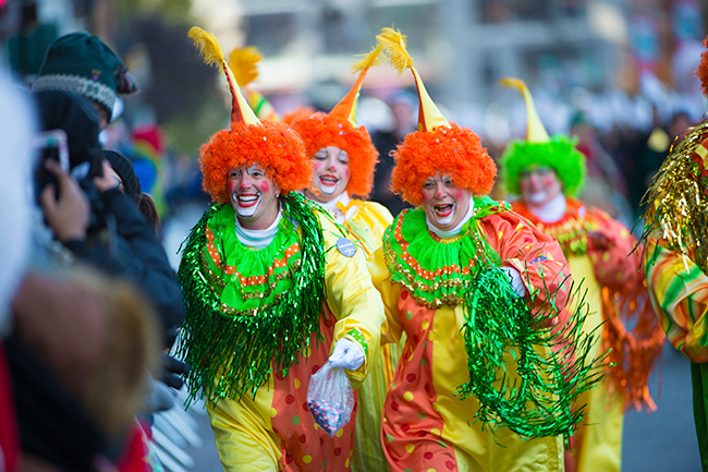"<div class=""meta image-caption""><div class=""origin-logo origin-image ap""><span>AP</span></div><span class=""caption-text"">Clowns interact with the crowd at the 91st Macy's Thanksgiving Day Parade on Thursday, Nov. 23, 2017, in New York. (Photo by Scott Roth/Invision/AP)</span></div>"