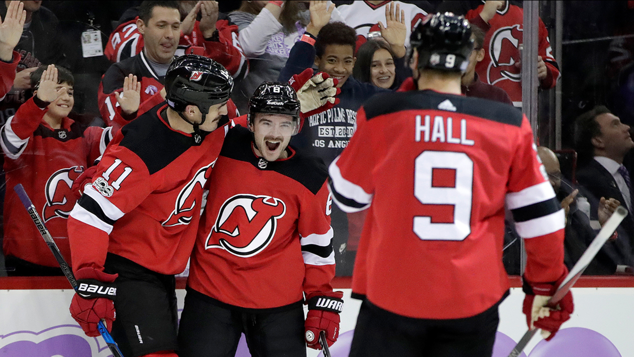 Brian Boyle s emotional goal lifts New Jersey Devils to victory ... d18942523