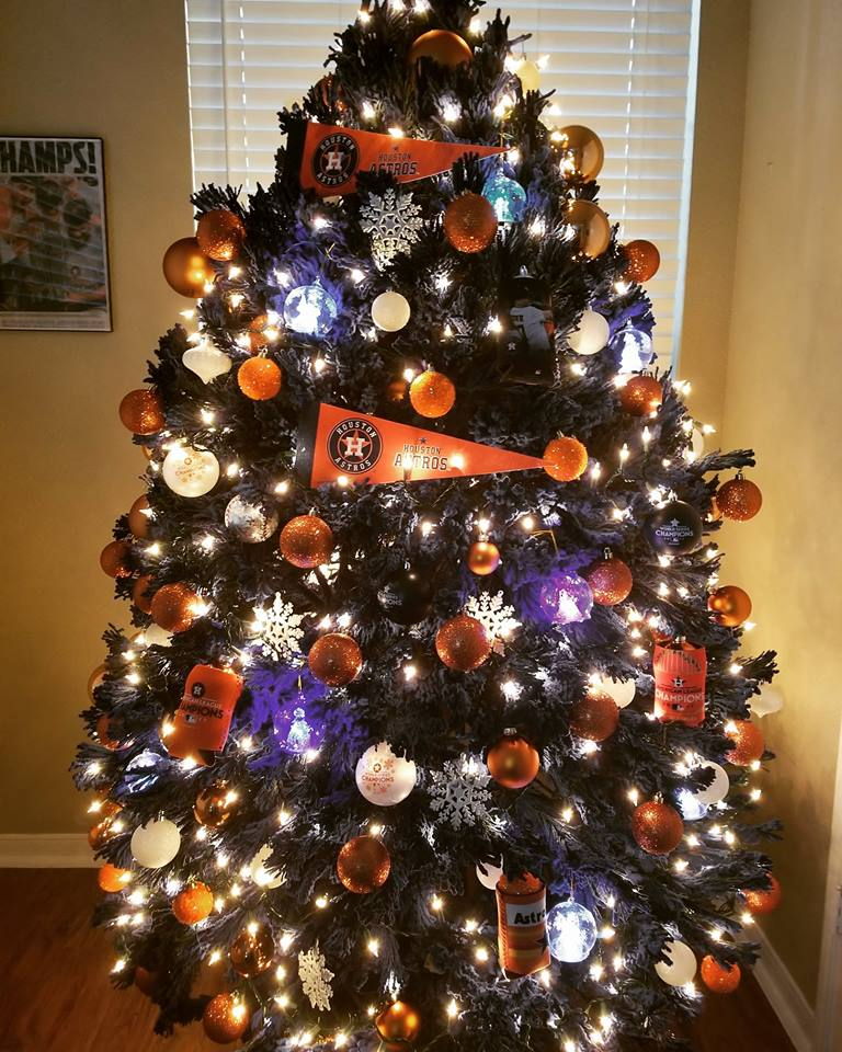 Christmas Tree Items: HOME RUN HOLIDAY: Fans Share Astros-themed Christmas