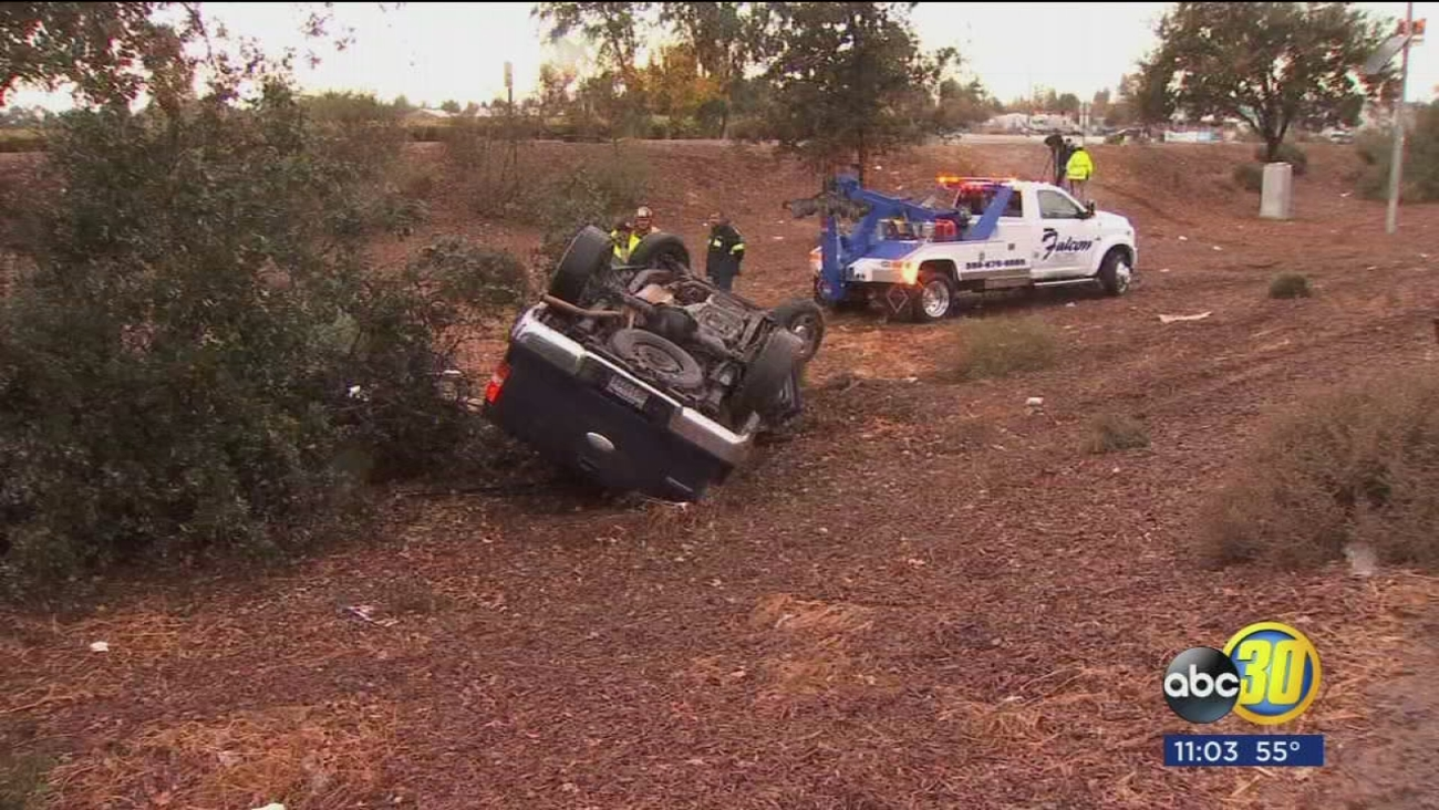 CHP Investigating Crash Near Kingsburg That Leaves One Man Dead