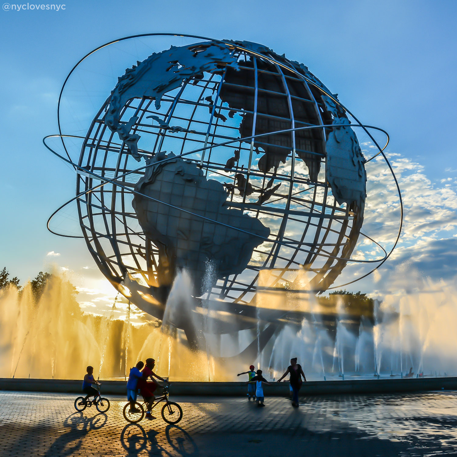 <div class='meta'><div class='origin-logo' data-origin='none'></div><span class='caption-text' data-credit='Noel Y. Calingasan (@nyclovesnyc)'>The Unisphere in Flushing Meadows</span></div>