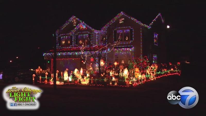 Christmas Light Fight.Redolights1