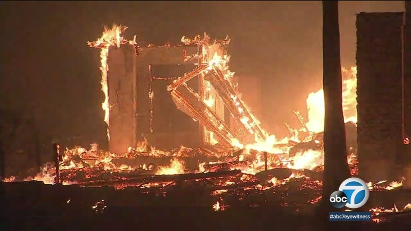 San Diego County brush fire destroys 20 structures