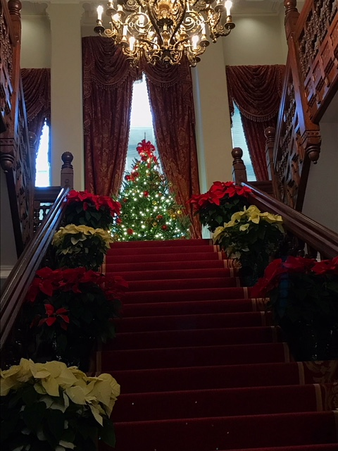 "<div class=""meta image-caption""><div class=""origin-logo origin-image none""><span>none</span></div><span class=""caption-text"">The Governor's Mansion is ready for the holiday season (Credit: Amber Rupinta)</span></div>"