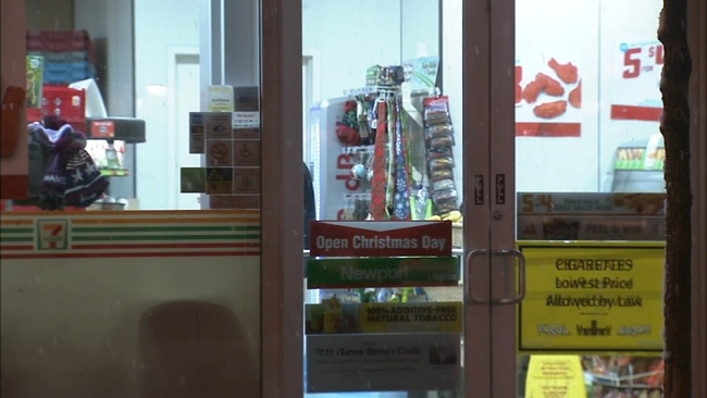 7 eleven store robbed at knifepoint in center city philadelphia 6abccom - Is 711 Open On Christmas