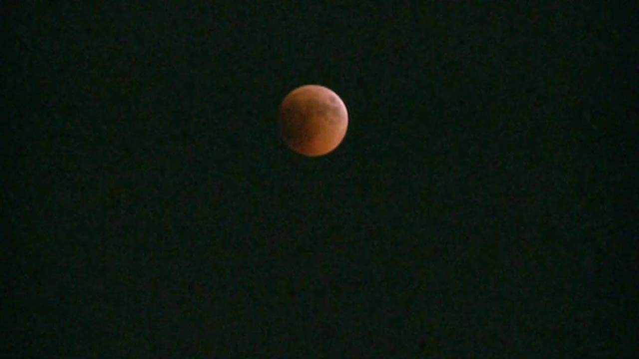 Images of tonights blood moon
