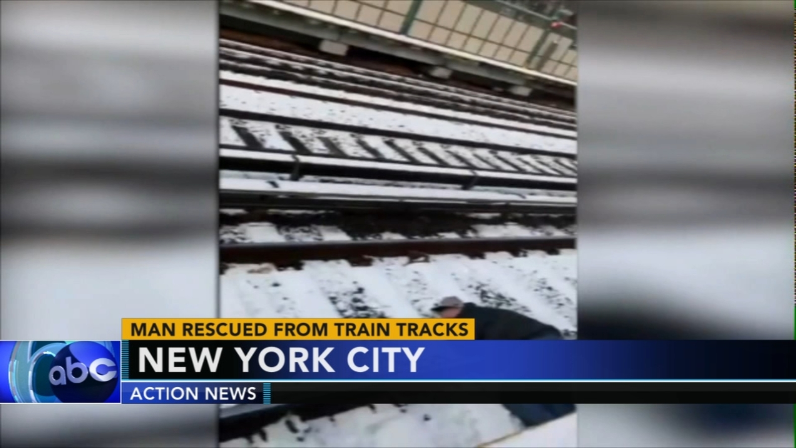 Intense video: Frantic effort to rescue man on subway tracks in Brooklyn