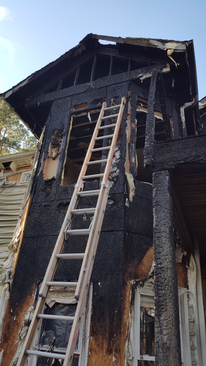 <div class='meta'><div class='origin-logo' data-origin='none'></div><span class='caption-text' data-credit='Heather Waliga/WTVD'>The Durham community is rallying to help a police sergeant who lost his home during a fire</span></div>