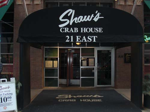 "<div class=""meta image-caption""><div class=""origin-logo origin-image none""><span>none</span></div><span class=""caption-text"">15) Shaw's Crab House (TripAdvisor)</span></div>"