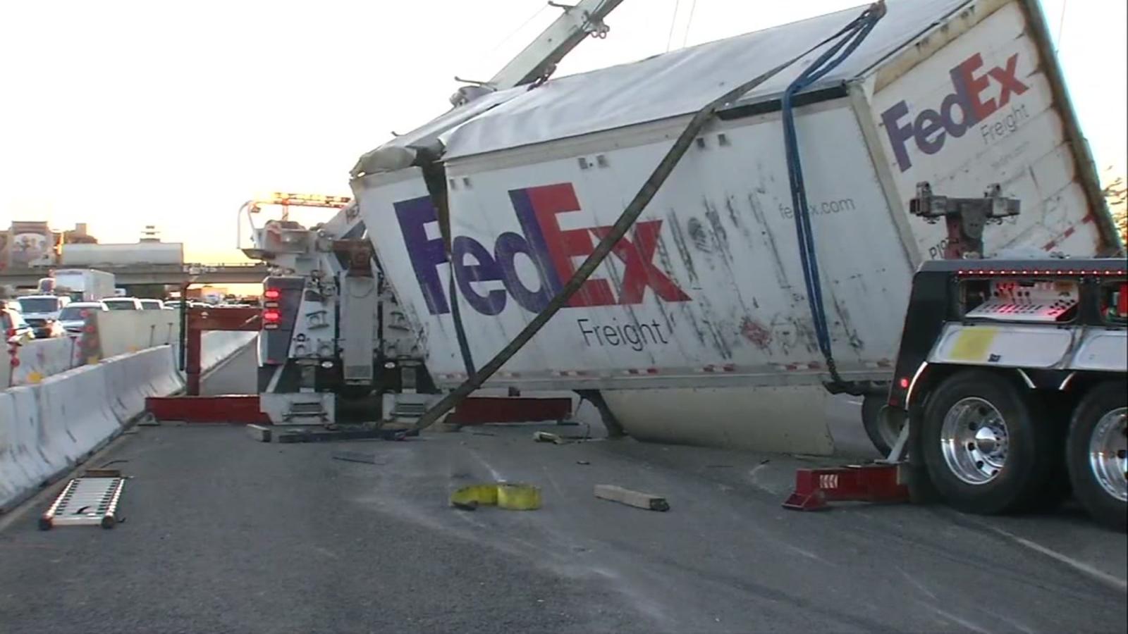 Man dies in crash between vehicle, FedEx truck on I-880