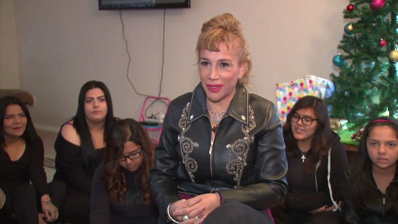 Just In Time For Christmas.Palmdale Woman Adopts 5 Sisters Just In Time For Christmas
