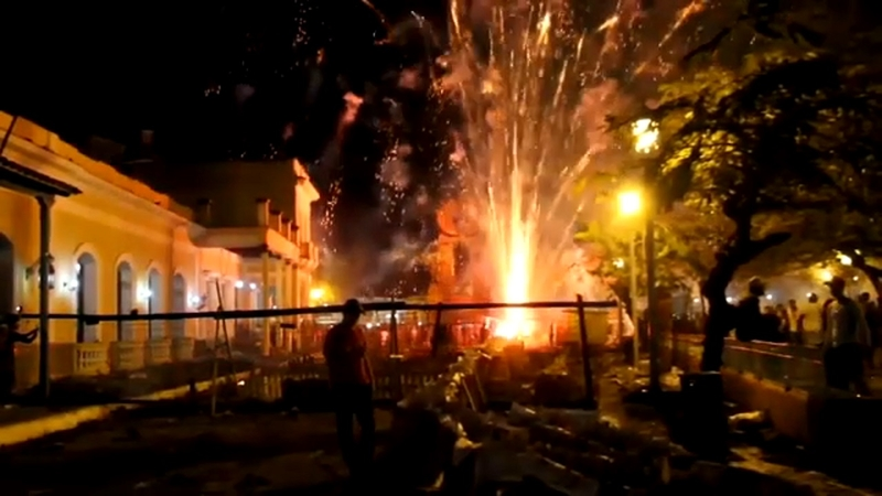 Christmas In Cuba.Fireworks Accident At Cuba Christmas Festival Leaves Scores Injured