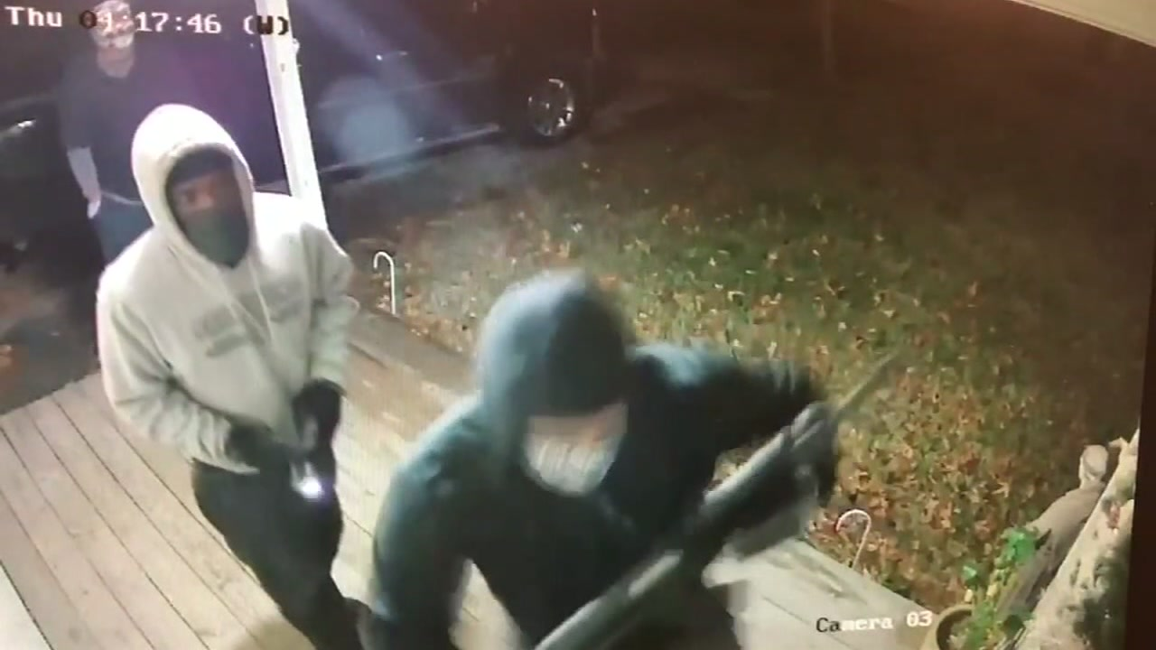 Its Scary Attempted Burglary Caught On Home Surveillance Camera Abc Com