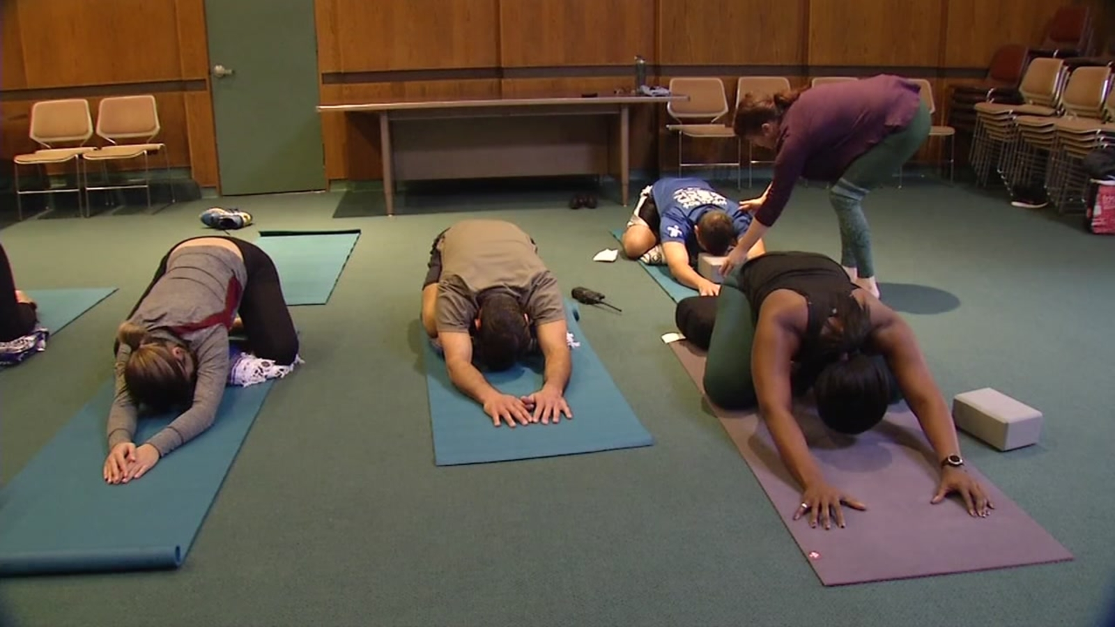 Calm Cool Cops Take Yoga In East Bay For Clarity Abc7 San Francisco