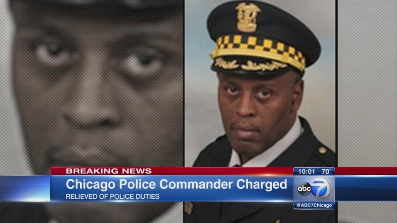 Chicago police commander charged with official misconduct