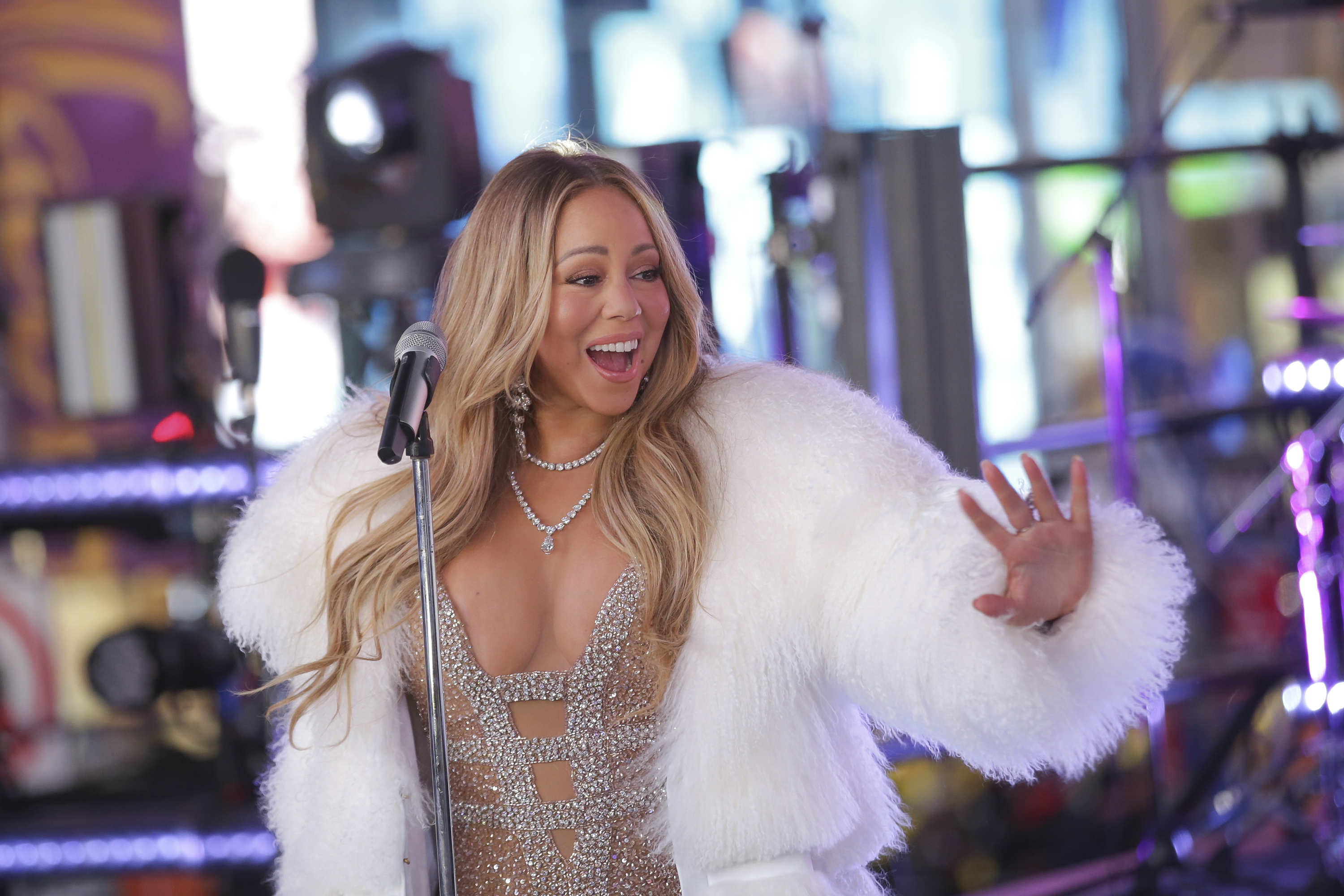 "<div class=""meta image-caption""><div class=""origin-logo origin-image ap""><span>AP</span></div><span class=""caption-text"">Mariah Carey performs on stage at the New Year's Eve celebration in Times Square on Sunday, Dec. 31, 2017, in New York. (Brent N. Clarke/Invision/AP)</span></div>"