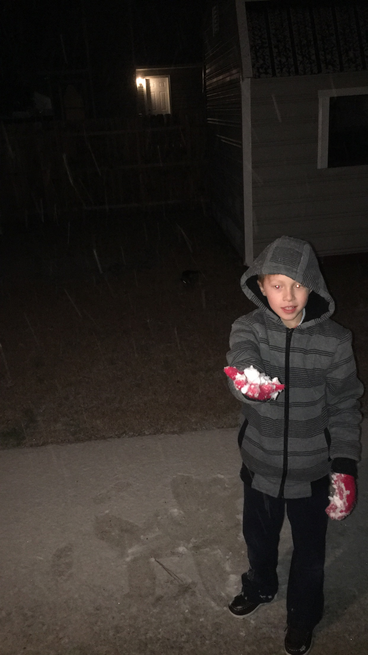 "<div class=""meta image-caption""><div class=""origin-logo origin-image none""><span>none</span></div><span class=""caption-text"">Snowing in Fayetteville. My son making the first snow ball! (Virginia Daubert - ABC11 Eyewitness)</span></div>"