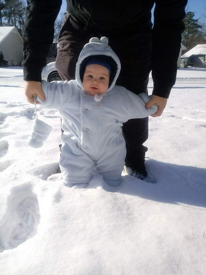 "<div class=""meta image-caption""><div class=""origin-logo origin-image none""><span>none</span></div><span class=""caption-text"">Fayetteville tot experiences first snowfall (Credit: Kimberly)</span></div>"