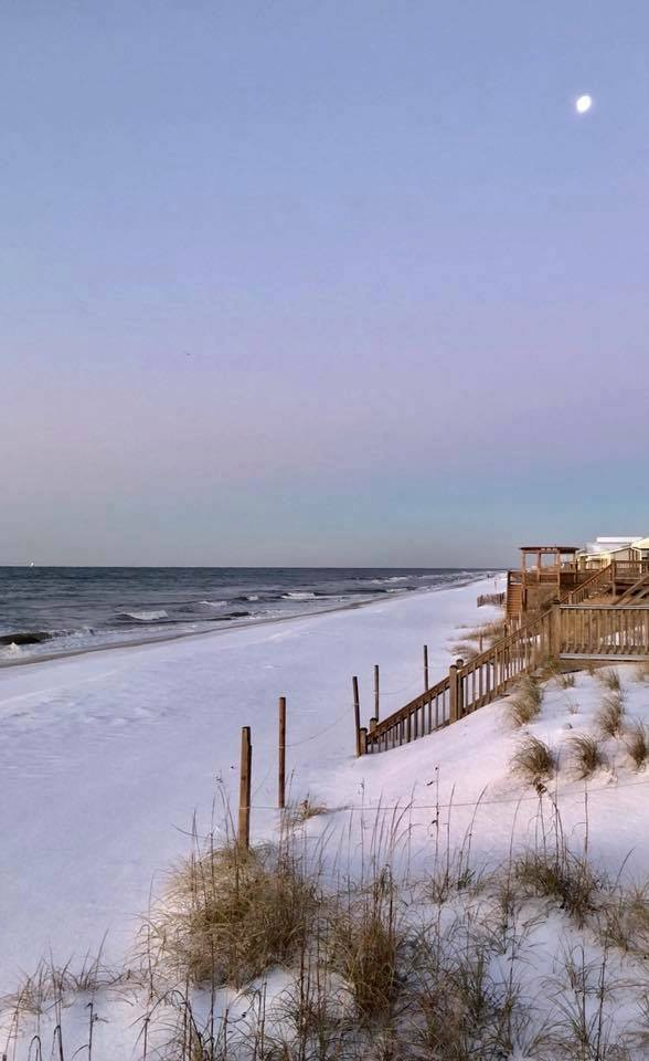"<div class=""meta image-caption""><div class=""origin-logo origin-image none""><span>none</span></div><span class=""caption-text"">Snow at the North Carolina coast (WWAY/Emily Lamcaster -- Oak Island)</span></div>"