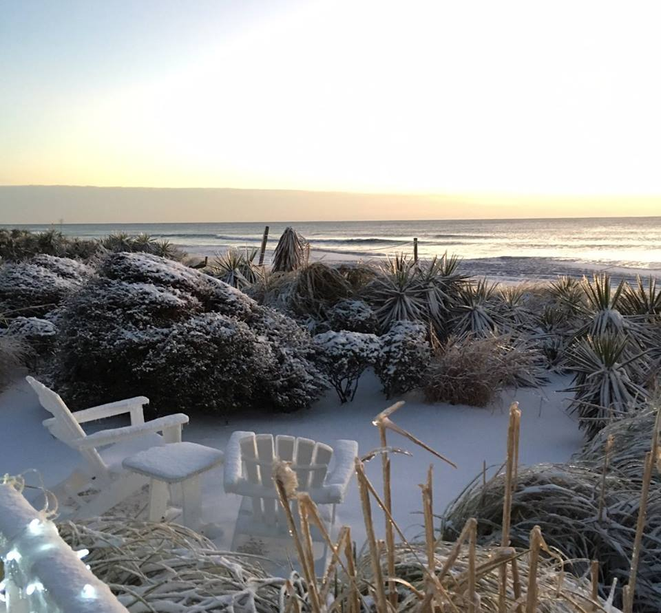 "<div class=""meta image-caption""><div class=""origin-logo origin-image none""><span>none</span></div><span class=""caption-text"">Snow at the North Carolina coast (WWAY/Blockade Runner Beach Resort -- Wrightsville Beach)</span></div>"