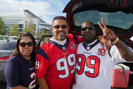 "<div class=""meta image-caption""><div class=""origin-logo origin-image ""><span></span></div><span class=""caption-text"">Photos from outside Reliant Stadium before Thursday's Niners-Texans preseason finale (Photo/Scott Morrow)</span></div>"