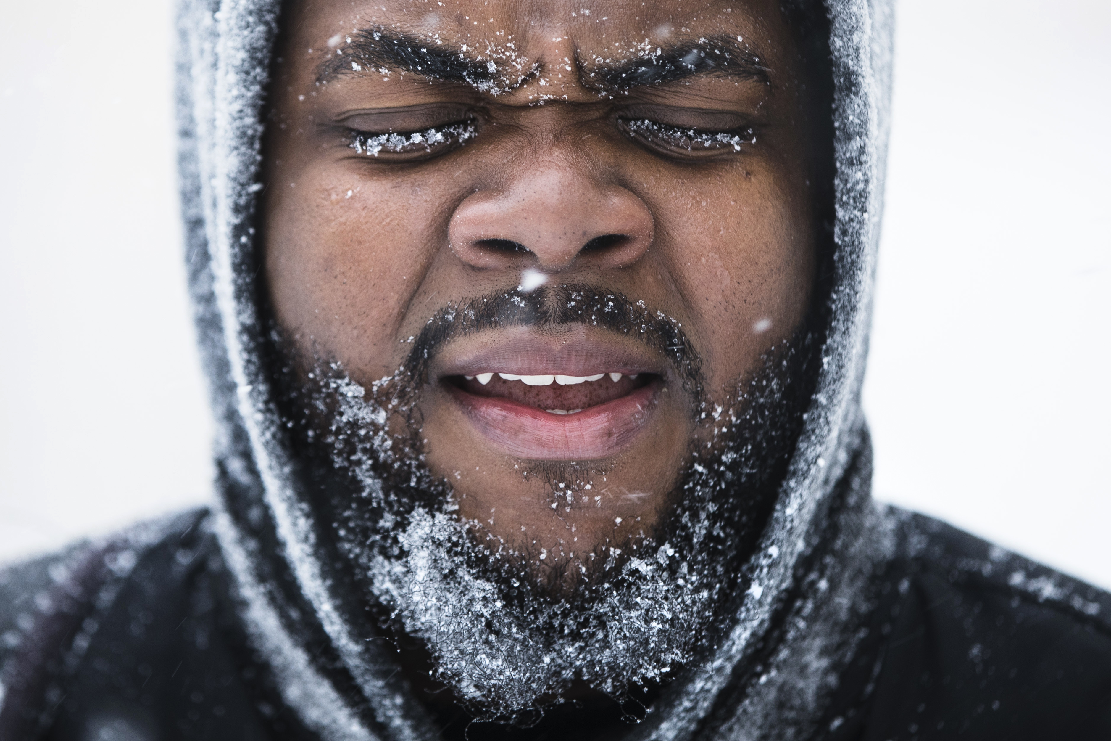 "<div class=""meta image-caption""><div class=""origin-logo origin-image none""><span>none</span></div><span class=""caption-text"">Ajamu Gumbs of New York makes his way to a bus station during a snowstorm in Atlantic City, N.J., Thursday, Jan. 4, 2018. (AP Photo/Matt Rourke) (AP)</span></div>"