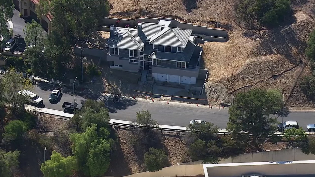 A body was found in the backyard of a home in the 3100 block of Foothill Drive in Thousand Oaks on Friday, Aug. 29, 2014.