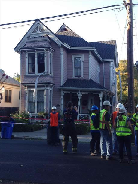"<div class=""meta image-caption""><div class=""origin-logo origin-image ""><span></span></div><span class=""caption-text"">Foundation collapse of a home on Oak and Seminary in Napa after the 6.0 magnitude earthquake on August 24, 2014. (photo submitted by Frank Fradella via uReport)</span></div>"