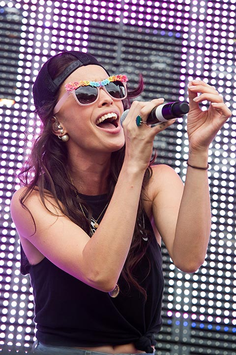"""<div class=""""meta image-caption""""><div class=""""origin-logo origin-image """"><span></span></div><span class=""""caption-text"""">Chelsea Tyler of Kaneholler at the Budweiser Made in America Festival on Saturday, August 30, 2014 in Philadelphia. (Charles Sykes/Invision/AP)</span></div>"""