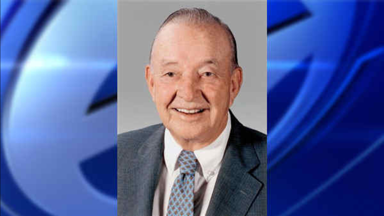 b16a52a6a35 William Clay Ford, leader of Ford Motor Co., dies at age 88   abc7ny.com
